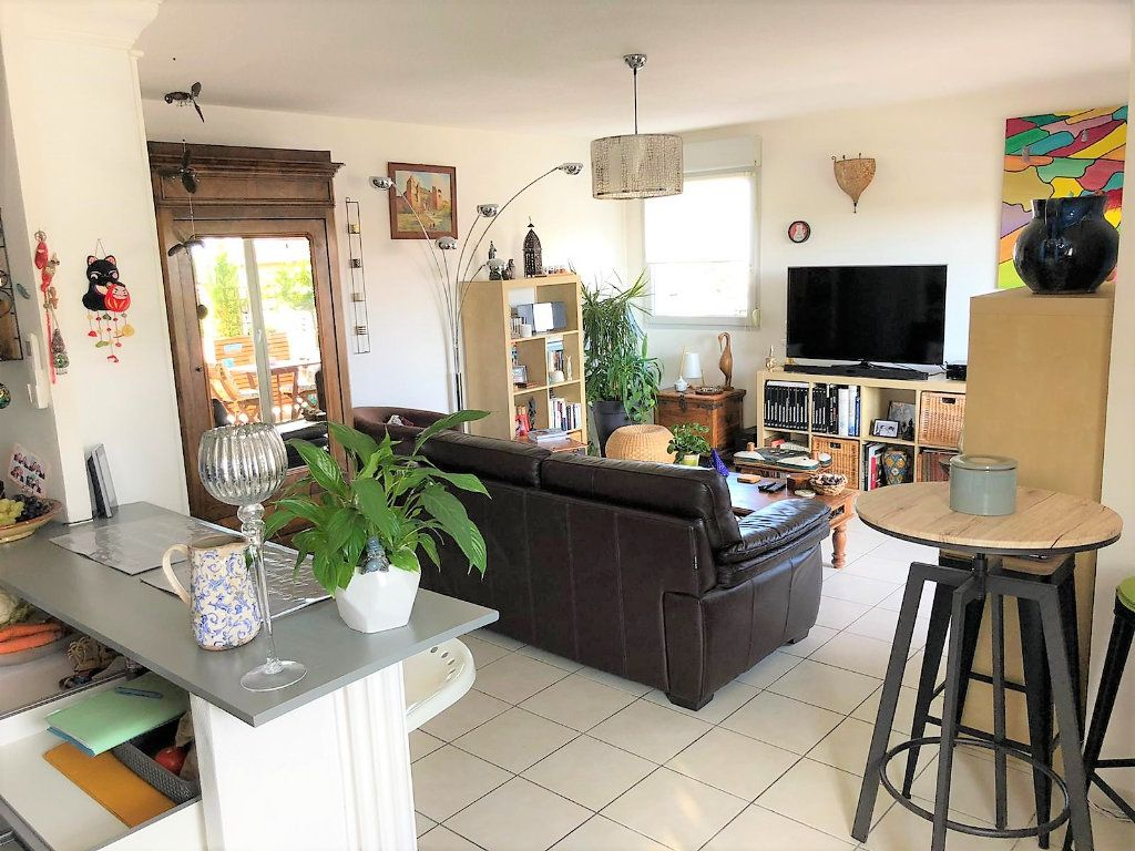 Appartement à vendre 4 84.18m2 à Castanet-Tolosan vignette-3