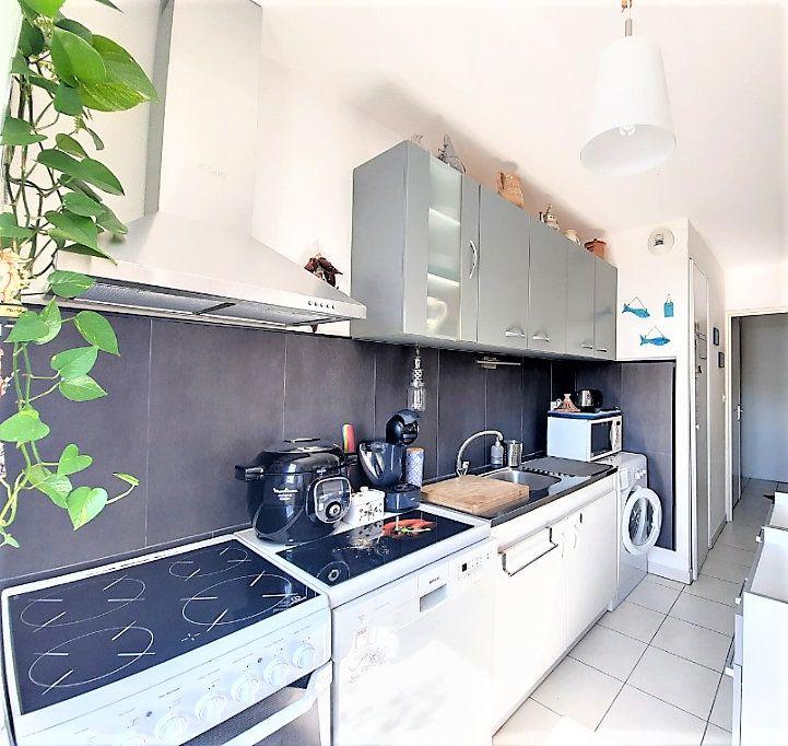 Appartement à vendre 4 84.18m2 à Castanet-Tolosan vignette-4