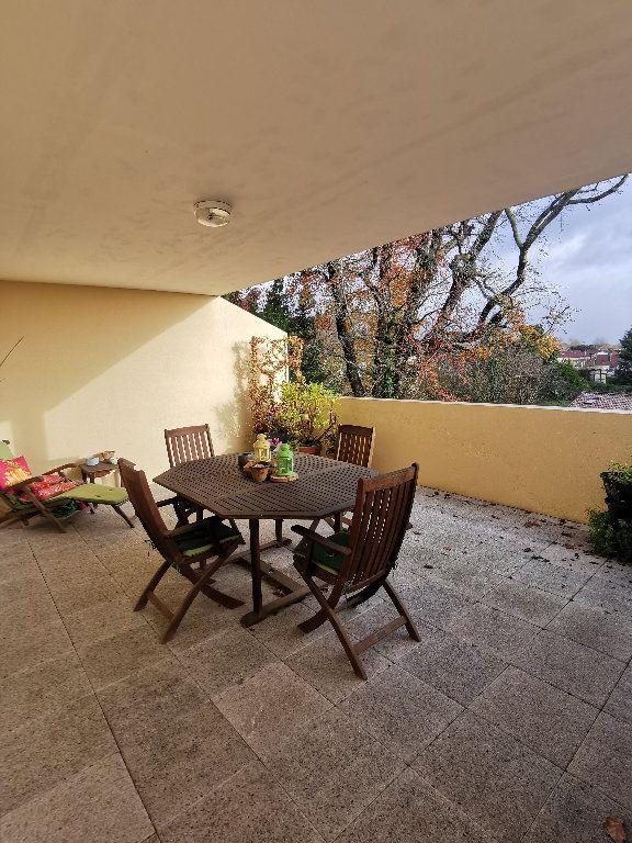 Appartement à louer 3 119.28m2 à Saint-Vincent-de-Tyrosse vignette-4