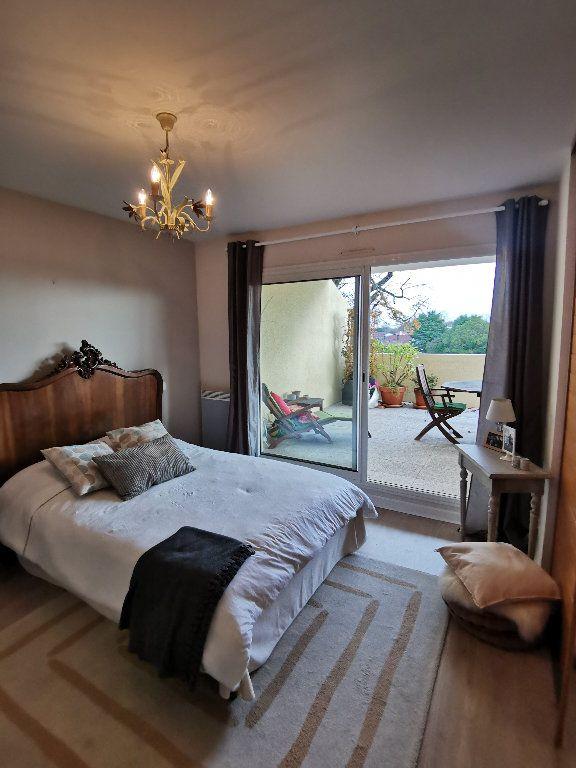 Appartement à louer 3 119.28m2 à Saint-Vincent-de-Tyrosse vignette-7