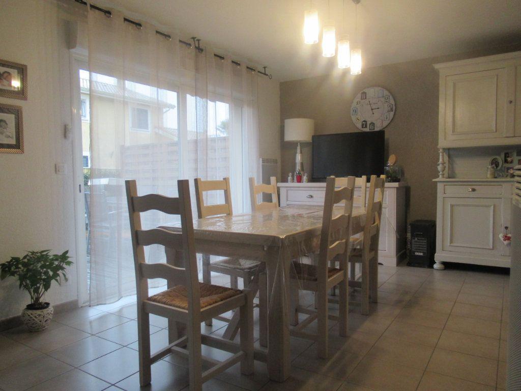 Maison à vendre 4 79.63m2 à Saint-Vincent-de-Tyrosse vignette-2