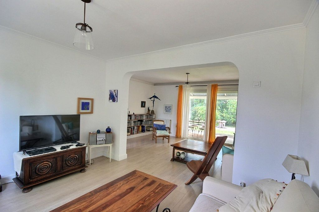 Maison à vendre 6 212m2 à Lescar vignette-3
