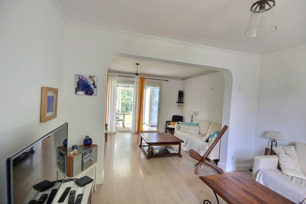 Maison à vendre 6 212m2 à Lescar vignette-4