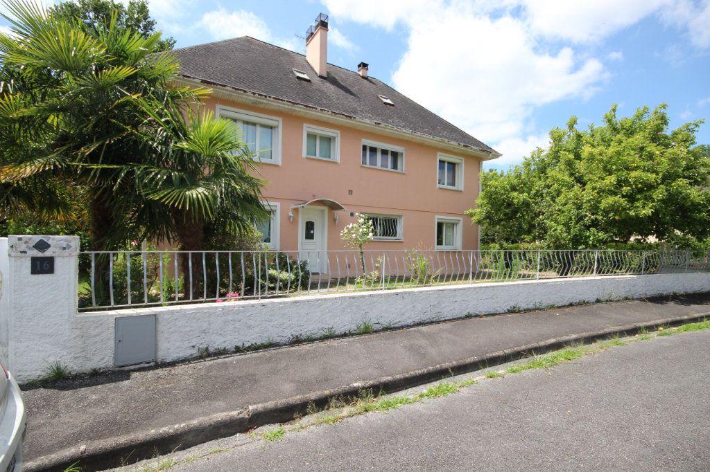 Maison à vendre 6 212m2 à Lescar vignette-6