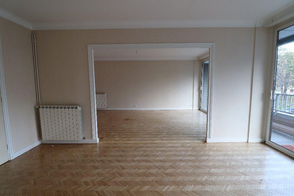 Appartement à vendre 4 109.42m2 à Tarbes vignette-2