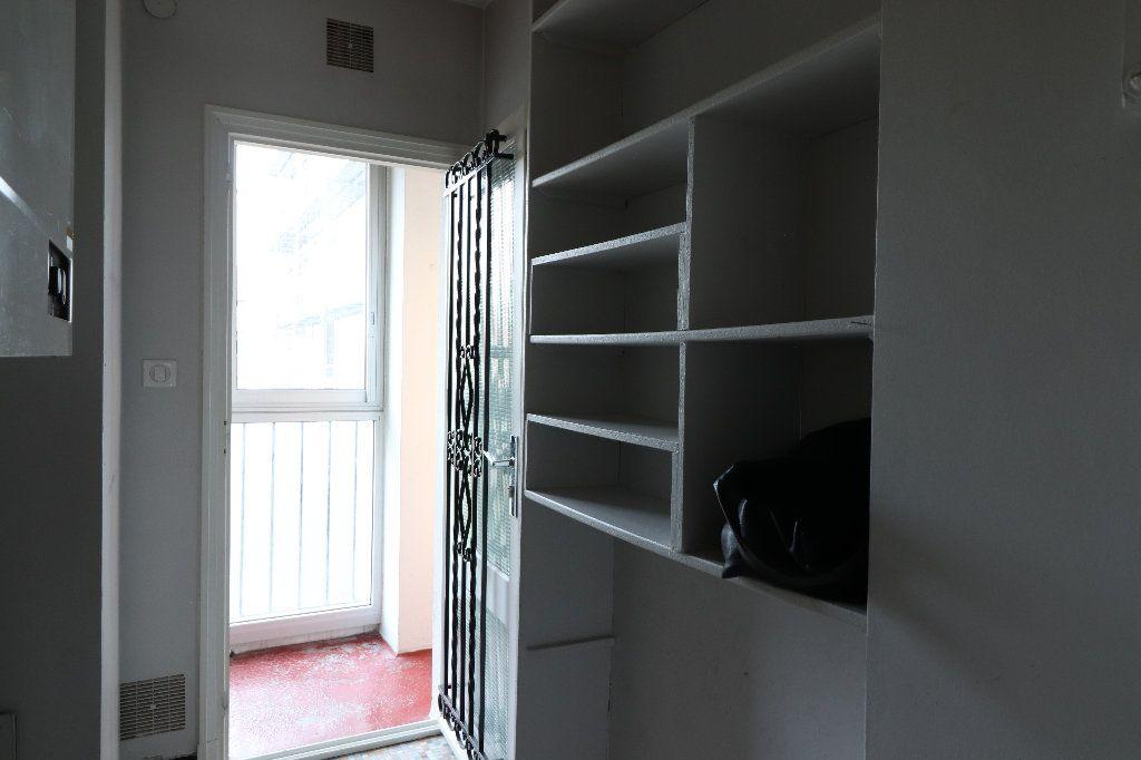 Appartement à vendre 4 109.42m2 à Tarbes vignette-10