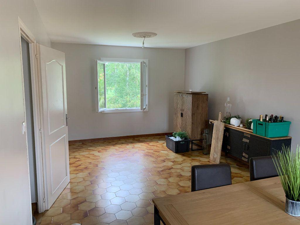 Appartement à louer 4 81m2 à Lescar vignette-3