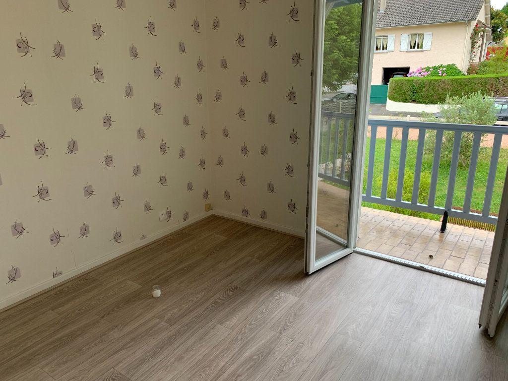 Appartement à louer 4 81m2 à Lescar vignette-6
