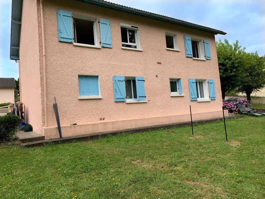 Appartement à louer 4 81m2 à Lescar vignette-8