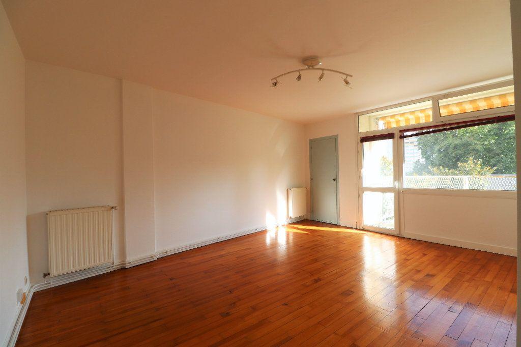 Appartement à vendre 3 60.09m2 à Tarbes vignette-5