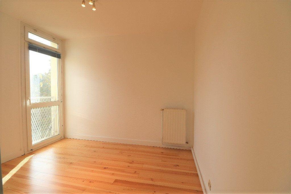 Appartement à vendre 3 60.09m2 à Tarbes vignette-6