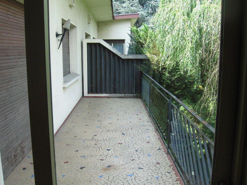 Appartement à louer 4 122m2 à Lescar vignette-6