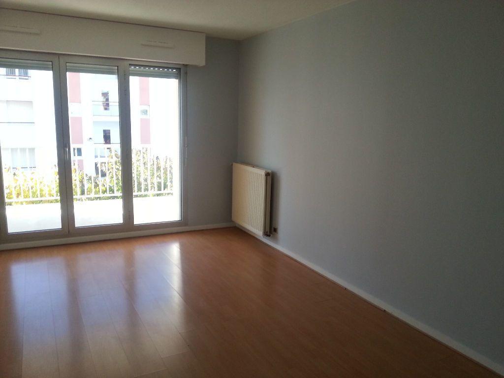 Appartement à louer 2 54m2 à Pau vignette-3