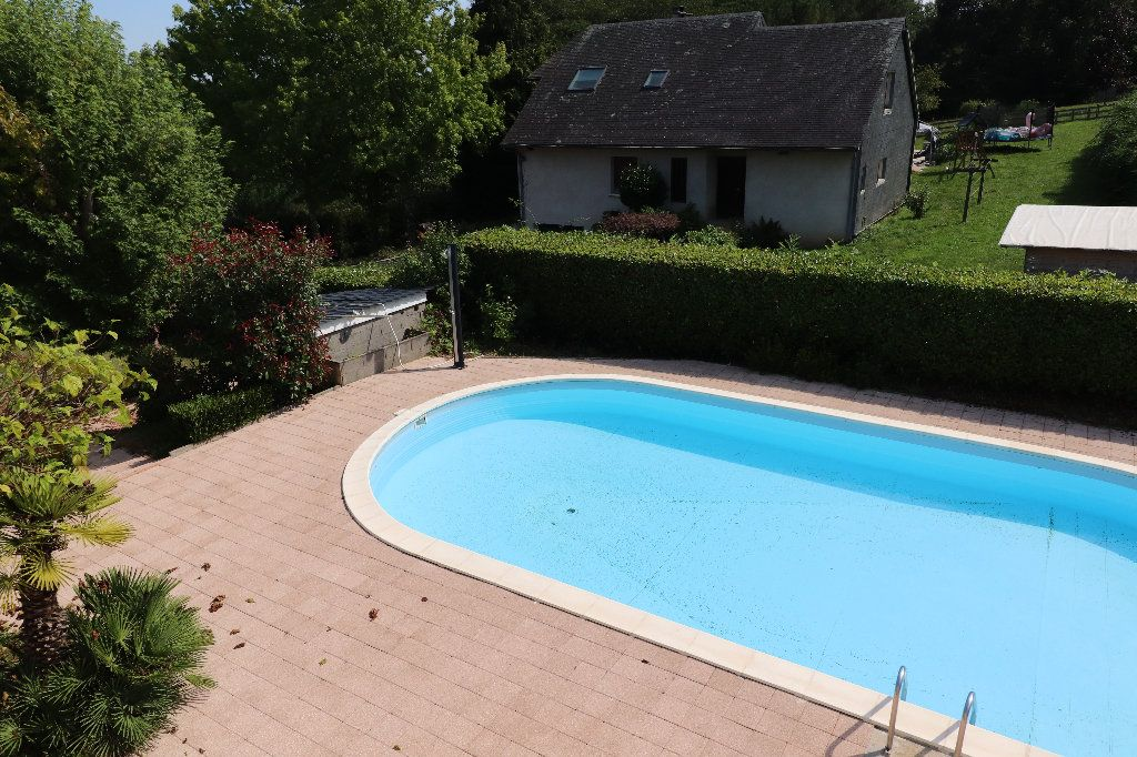 Maison à vendre 8 241m2 à Sarrouilles vignette-3