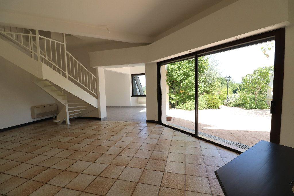 Maison à vendre 8 241m2 à Sarrouilles vignette-7