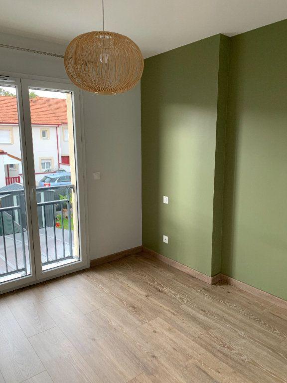 Appartement à louer 4 61m2 à Artiguelouve vignette-11