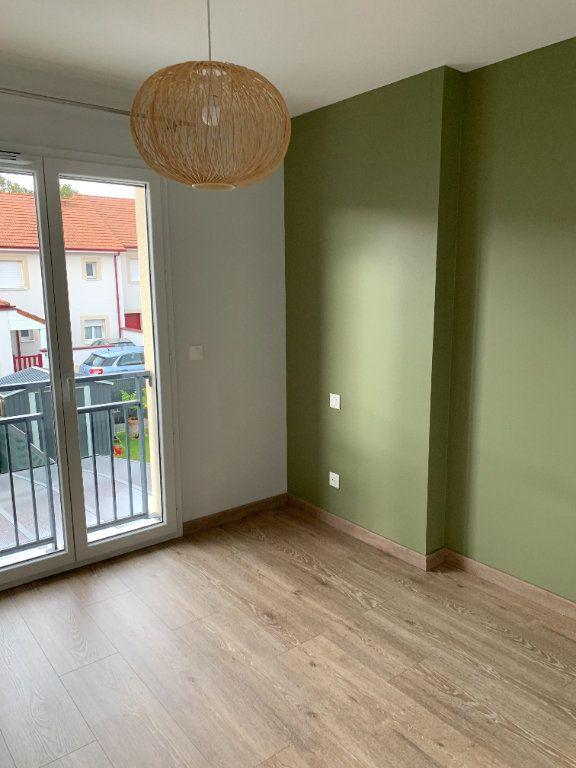 Appartement à louer 4 61m2 à Artiguelouve vignette-12