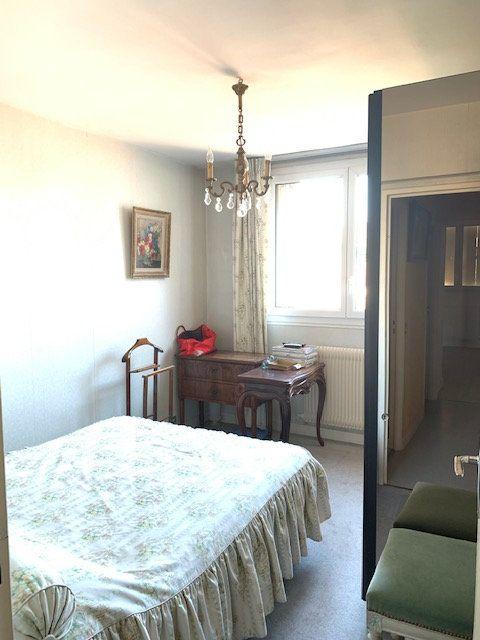 Appartement à vendre 3 54m2 à Asnières-sur-Seine vignette-5