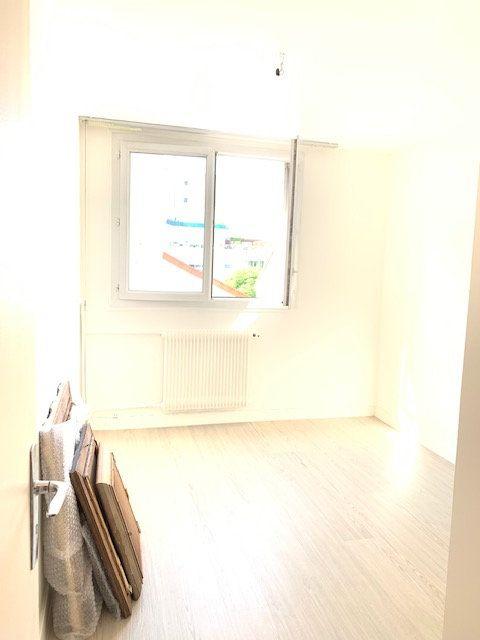 Appartement à vendre 3 54m2 à Asnières-sur-Seine vignette-6