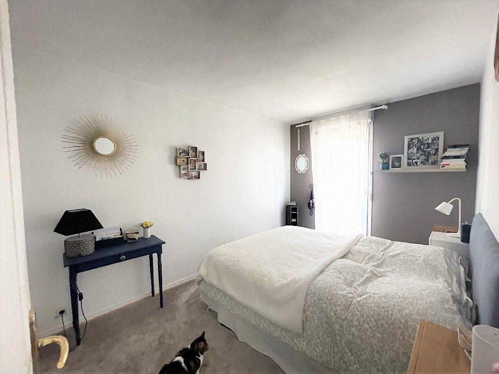 Appartement à vendre 3 65.37m2 à Asnières-sur-Seine vignette-5