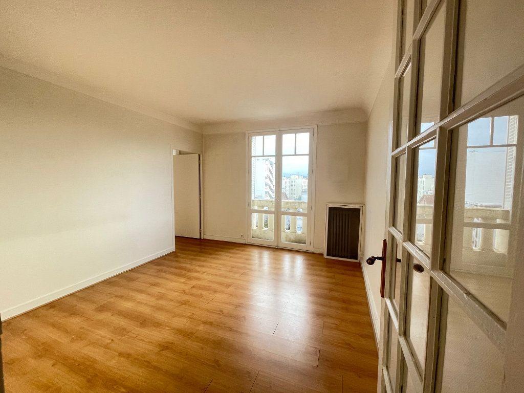 Appartement à vendre 3 72m2 à Asnières-sur-Seine vignette-3