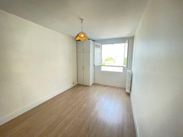 Appartement à vendre 4 74m2 à Asnières-sur-Seine vignette-6