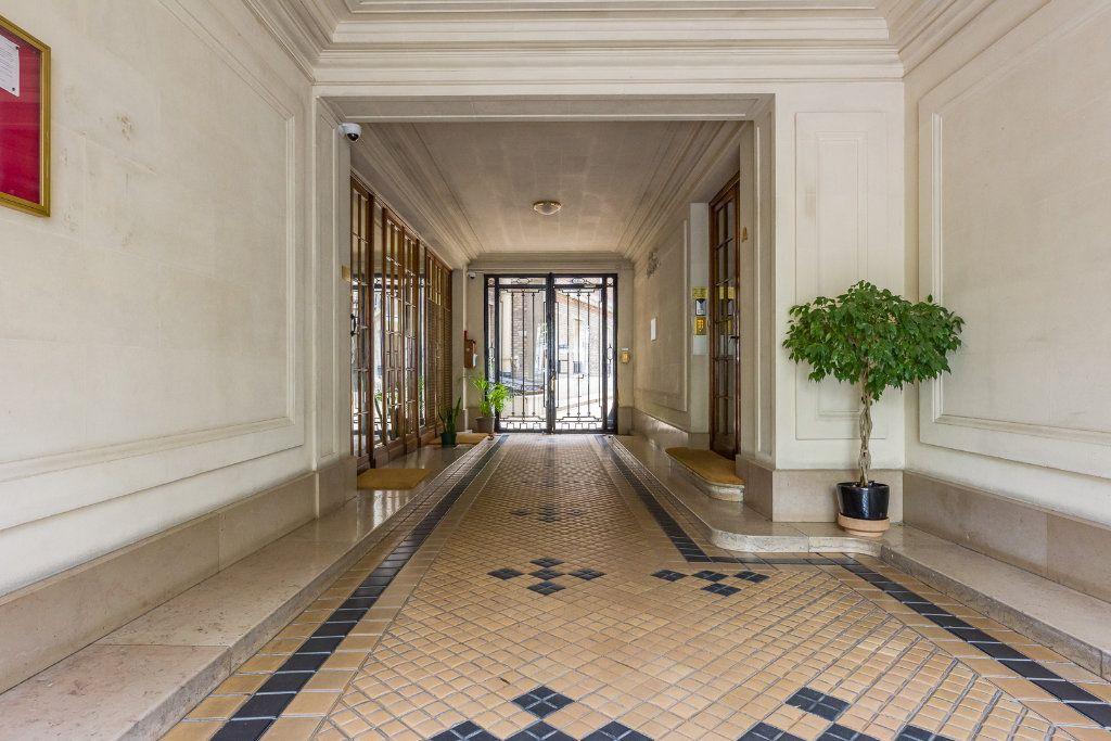 Appartement à vendre 2 53m2 à Paris 12 vignette-8