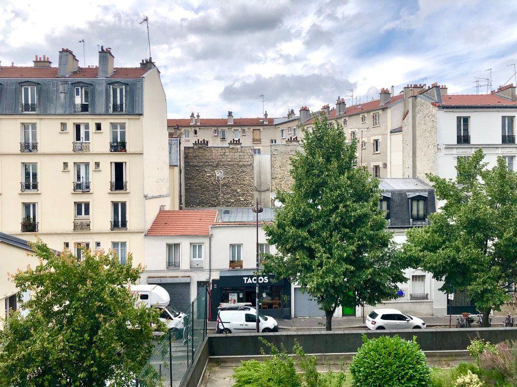 Appartement à vendre 2 54m2 à Paris 20 vignette-1
