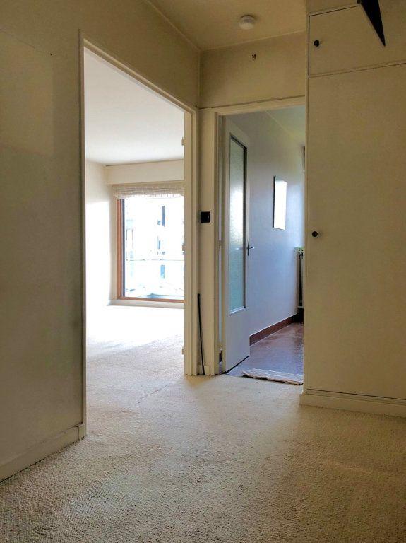 Appartement à vendre 2 54m2 à Paris 20 vignette-2