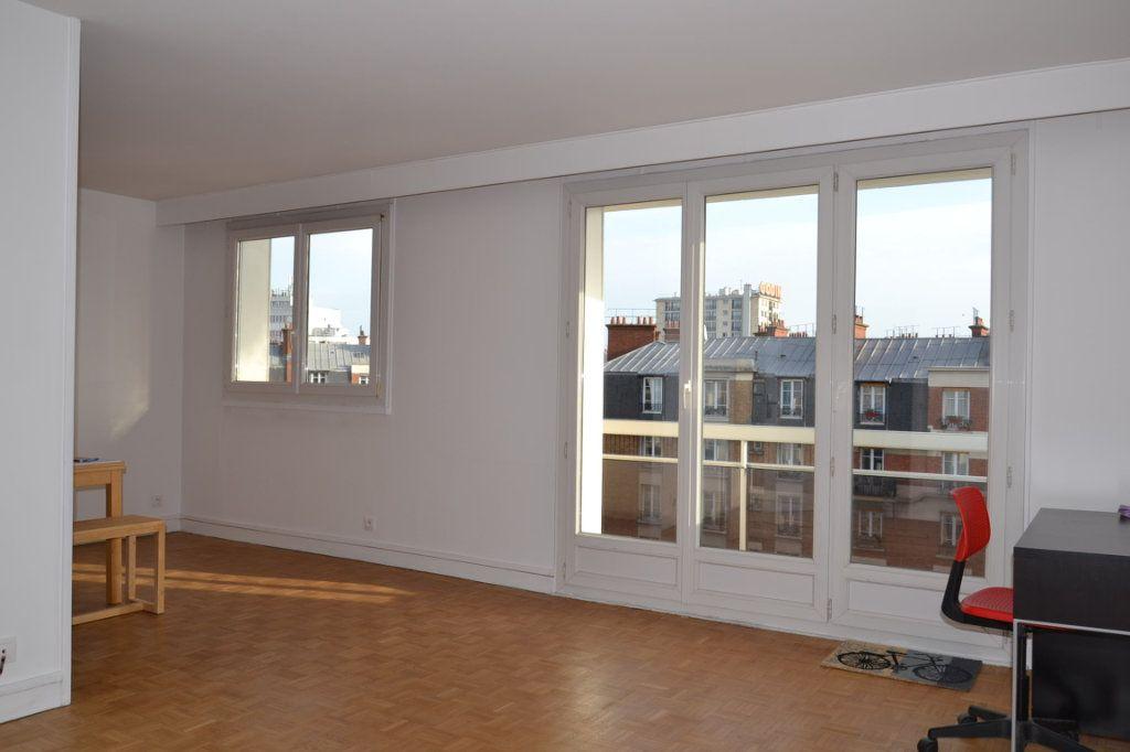 Appartement à louer 3 61m2 à Paris 20 vignette-5