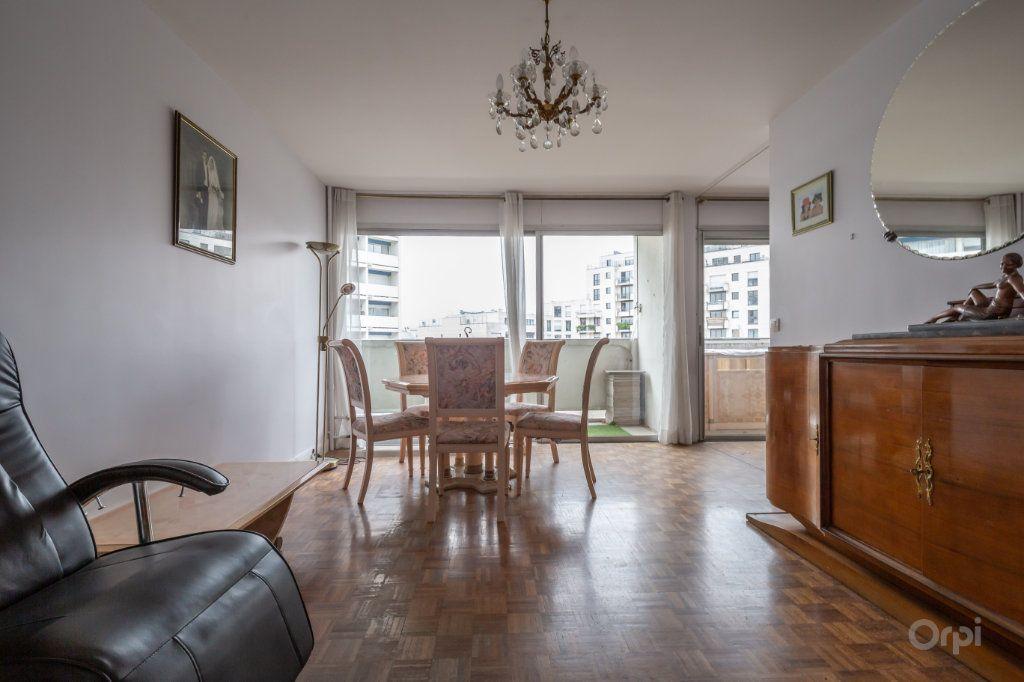 Appartement à vendre 3 70m2 à Paris 12 vignette-2