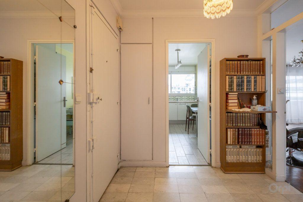 Appartement à vendre 3 70m2 à Paris 12 vignette-4