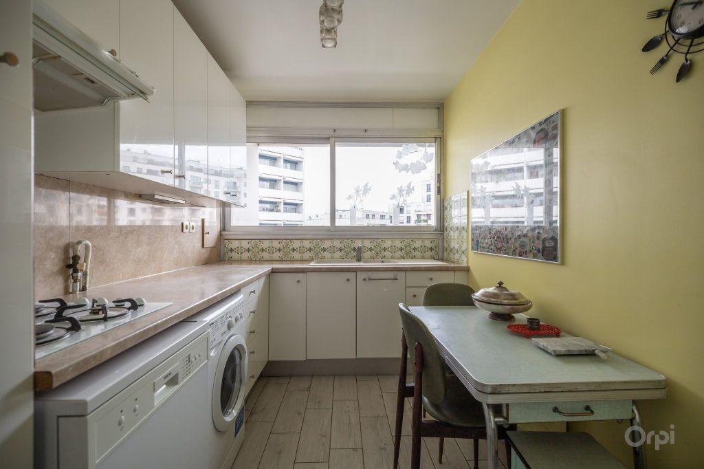 Appartement à vendre 3 70m2 à Paris 12 vignette-5