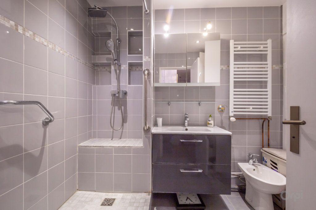 Appartement à vendre 3 70m2 à Paris 12 vignette-8