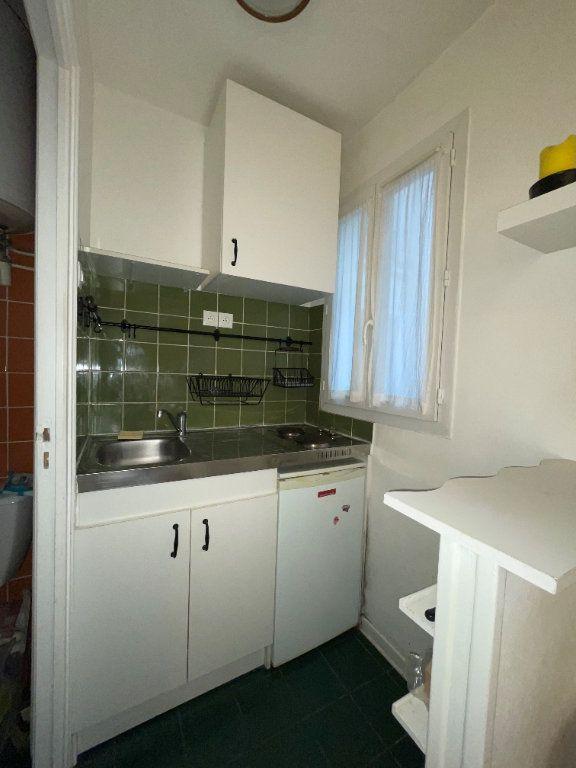 Appartement à louer 1 14.1m2 à Paris 11 vignette-7