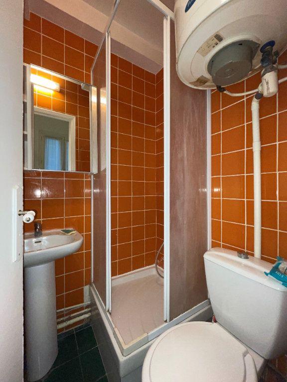 Appartement à louer 1 14.1m2 à Paris 11 vignette-8