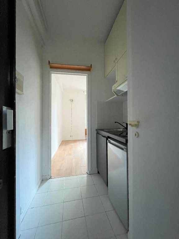 Appartement à louer 1 16.95m2 à Paris 12 vignette-2