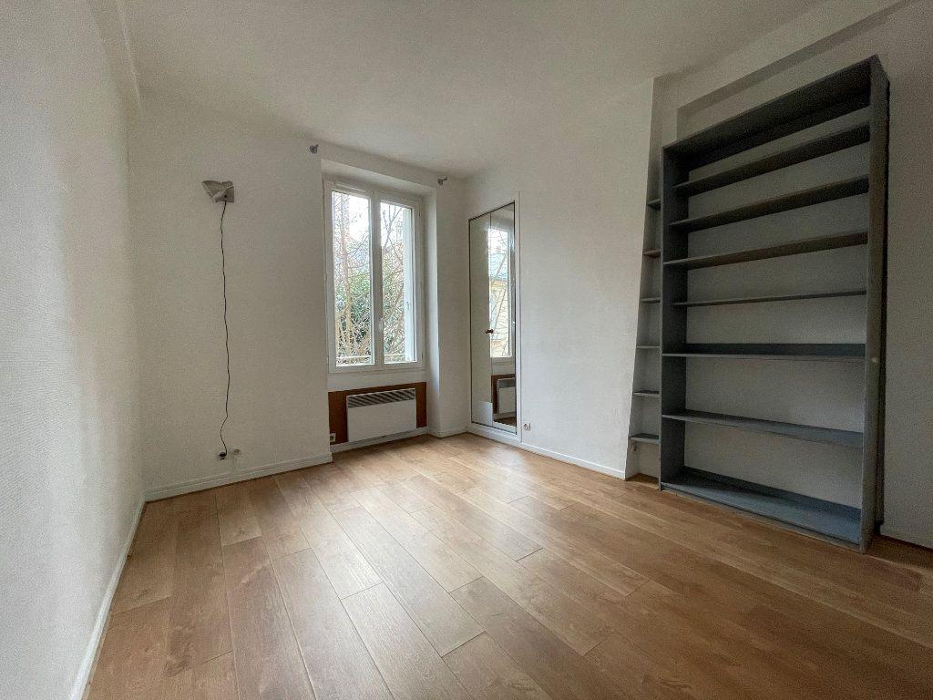 Appartement à louer 1 16.95m2 à Paris 12 vignette-3