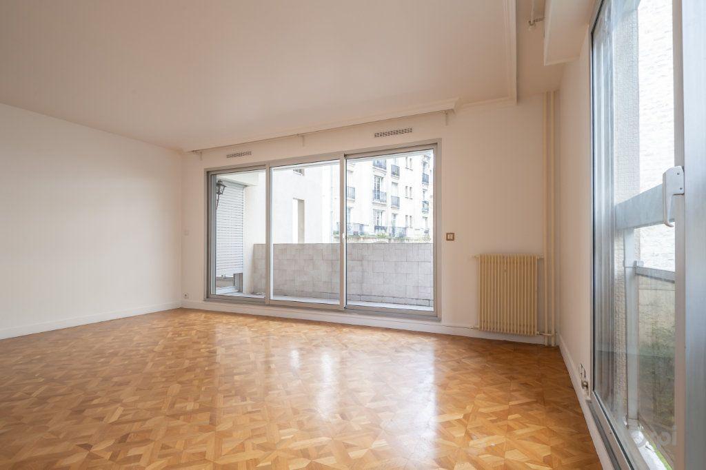 Appartement à vendre 4 102m2 à Paris 12 vignette-2