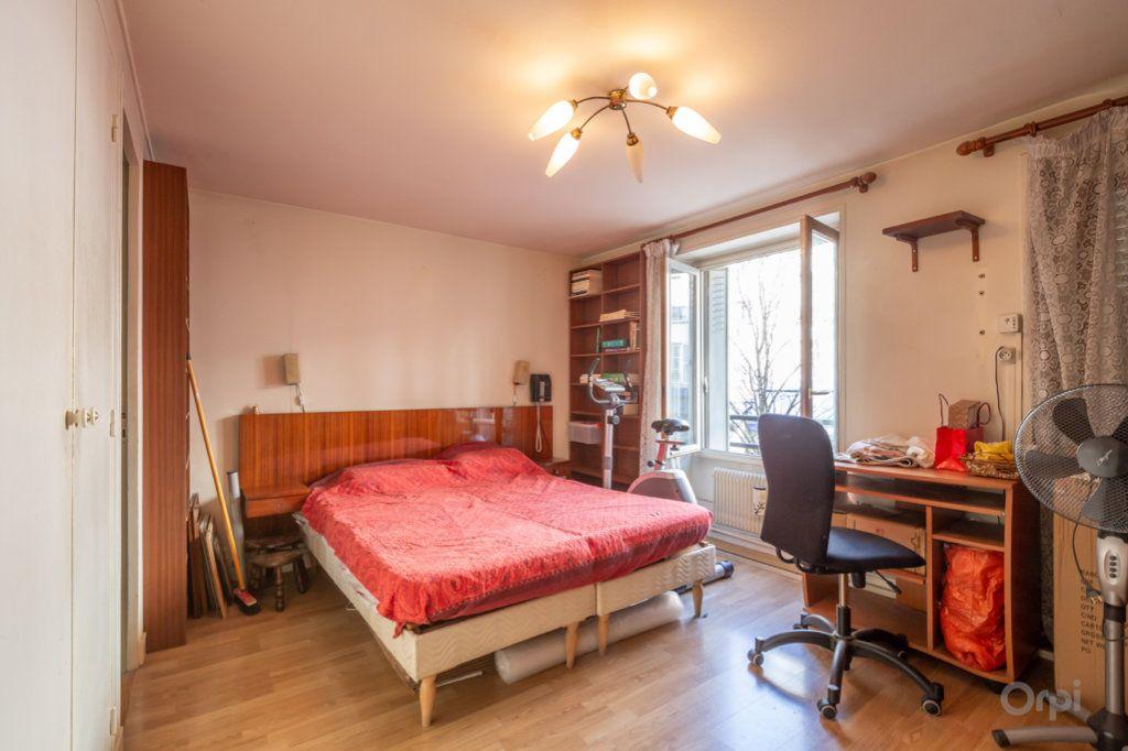 Appartement à vendre 4 89m2 à Paris 20 vignette-11