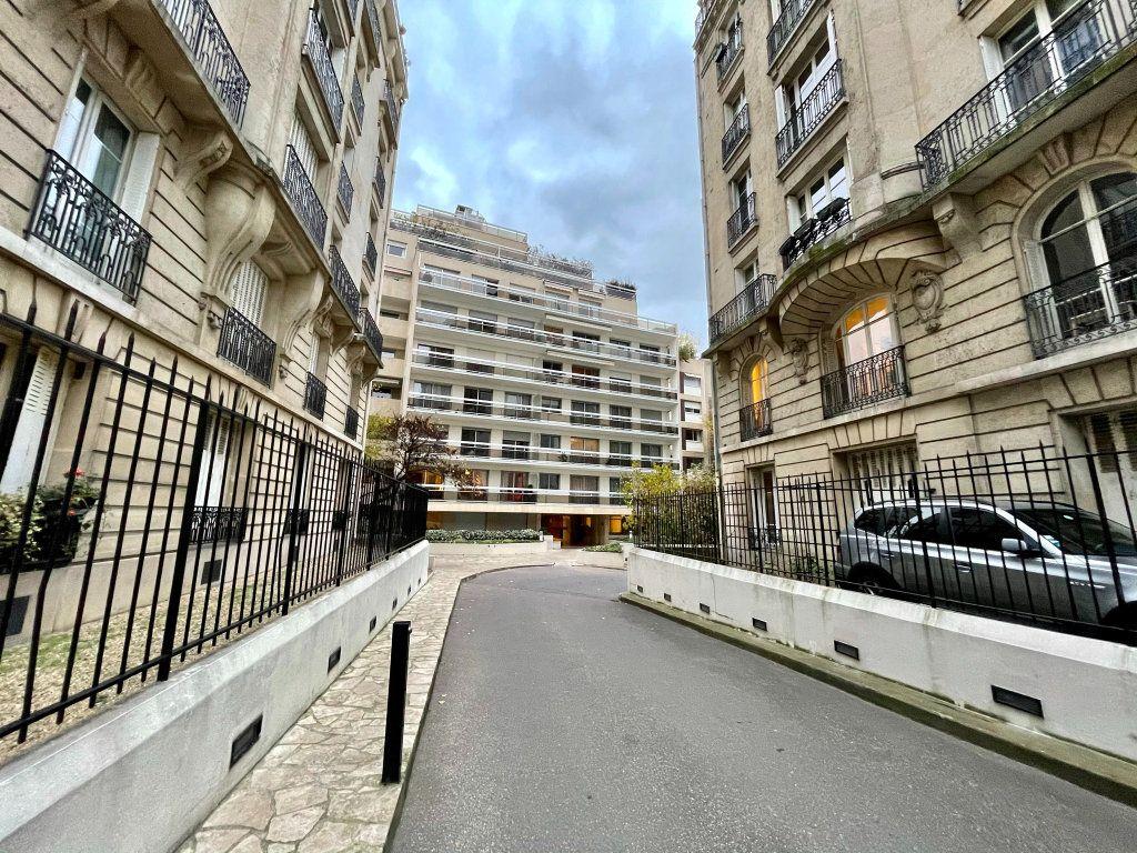 Appartement à louer 1 24.24m2 à Paris 12 vignette-2