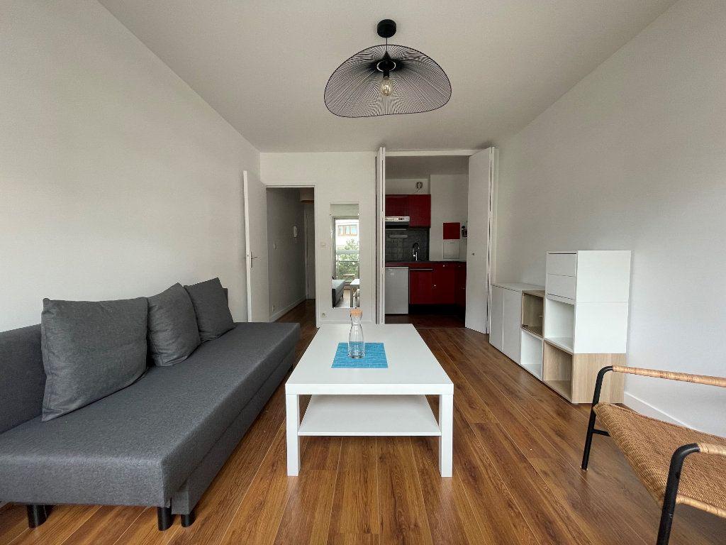 Appartement à louer 1 24.24m2 à Paris 12 vignette-3