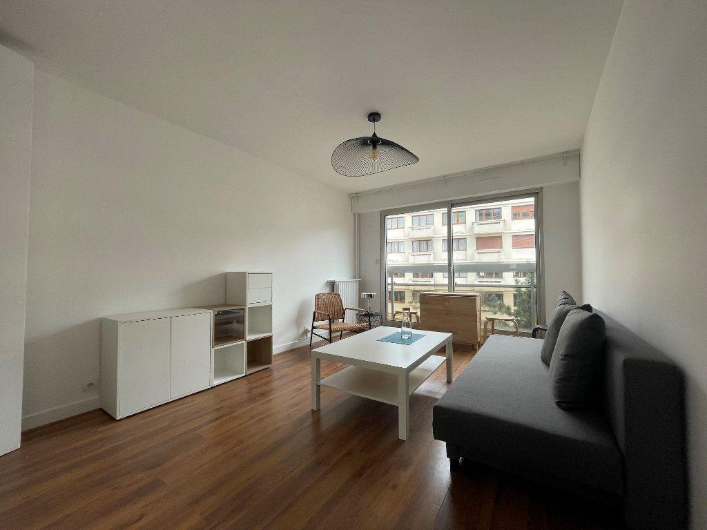 Appartement à louer 1 24.24m2 à Paris 12 vignette-5