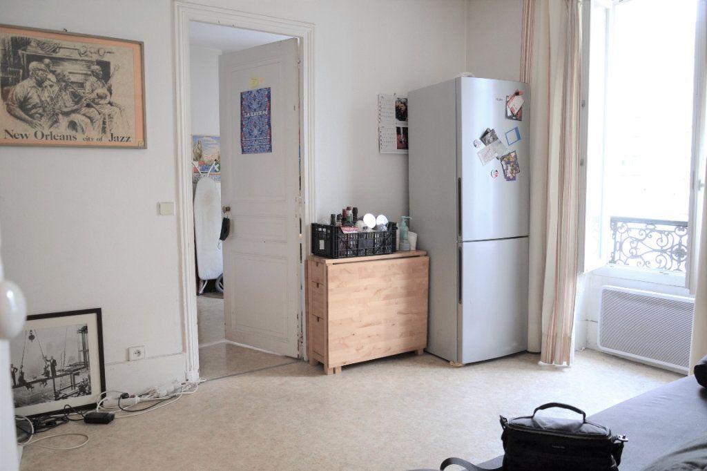 Appartement à vendre 2 30.9m2 à Paris 13 vignette-1