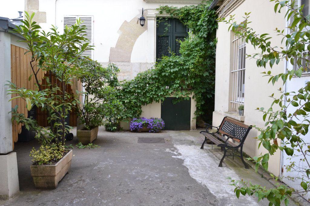 Appartement à vendre 2 30.9m2 à Paris 13 vignette-3