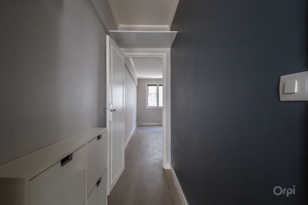 Appartement à vendre 2 38m2 à Paris 12 vignette-6