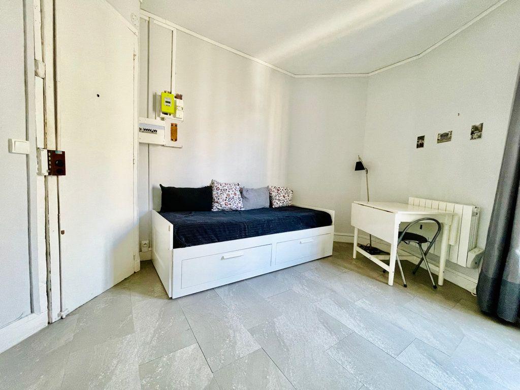 Appartement à vendre 1 14m2 à Paris 11 vignette-2