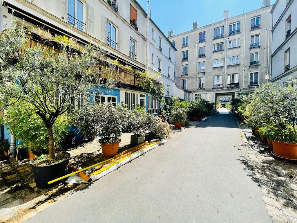 Appartement à vendre 1 14m2 à Paris 11 vignette-4