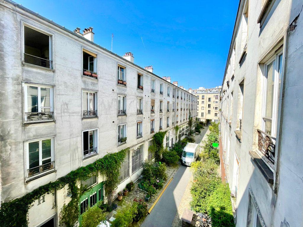 Appartement à vendre 1 14m2 à Paris 11 vignette-9