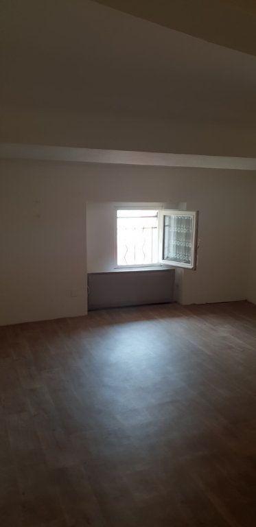 Maison à louer 3 70m2 à Ginasservis vignette-8